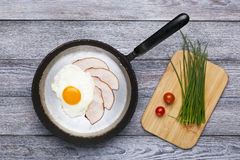 Fried egg and ham breakfast Royalty Free Stock Photography