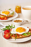 Fried egg sandwich breakfast meal Royalty Free Stock Photography