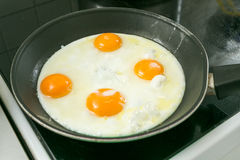 Fried Egg su pane tostato Immagini Stock