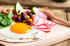 Fried egg tacos with chili con carne Royalty Free Stock Photos