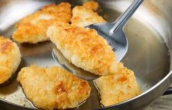Fried Fish dourado na bandeja Fotos de Stock