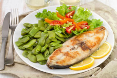 Fried fish with green beans Royalty Free Stock Photo