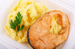 Fried fish with mashed potatoes Royalty Free Stock Images