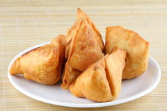 Fried Indian-Kartoffel Samosa Lizenzfreie Stockfotos