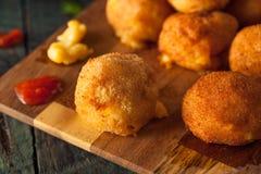 Fried Mac- und Käse-Bisse Stockfotos
