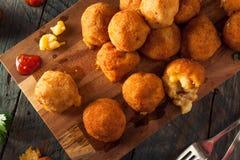 Fried Mac- und Käse-Bisse Stockfotografie