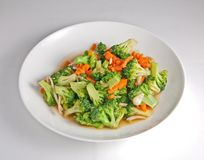 Fried Map-BROCCOLI met kerriekip stock foto's
