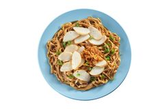 Fried noodle with fish cake Royalty Free Stock Photos