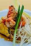 Fried Noodle thaïlandais avec la crevette rose Images libres de droits