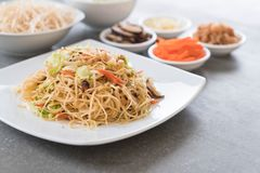 fried noodles on plate Stock Photography