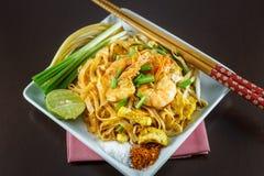 Fried Noodles que cozinha com camarão fresco Fotos de Stock Royalty Free