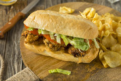 Fried Oyster Po Boy Sandwich casalingo fotografia stock