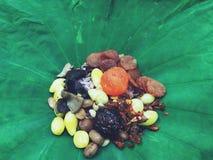 Fried Rice cozinhado no fim de Lotus Leaf acima imagens de stock royalty free