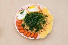 Fried Rice délicieux avec Basil Leaves croustillant de plat Images stock