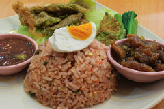 Fried Rice med chilisås Fotografering för Bildbyråer