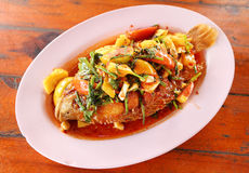 Free Fried Ruby Fish Topped With Sweet,sauer And Hot Sauce Stock Photos - 33277063