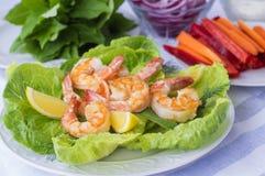 Fried Shrimp med grönsallat och grönsaker Royaltyfri Foto