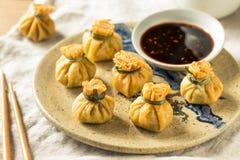 Fried Shrimp Purse Dumplings profundo caseiro imagem de stock royalty free