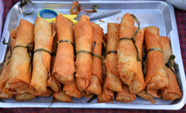Fried spring rolls Por Pieer Tod Royalty Free Stock Photos