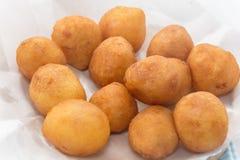 Fried Sweet Potato Balls en la placa Foto de archivo libre de regalías