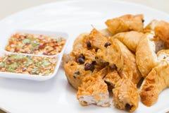 Fried Taro und schwarze Bohnen und Bohnengallerte Stockbild