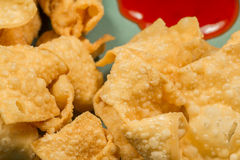 Fried Wontons Sweet y agria Imagen de archivo libre de regalías
