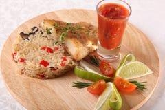 Fried Zander en el arroz Foto de archivo libre de regalías