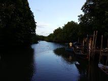 Frieden auf Fluss stockfoto