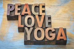 Frieden, Liebe und Yoga Stockbilder