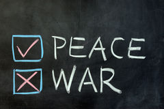 Frieden oder Krieg lizenzfreies stockfoto