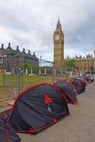 FriedensProtestierender nähern sich dem Big Ben Stockbild