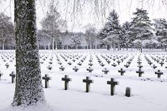 Friedhof im Schnee Stockfoto