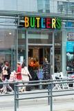 Friedrichstrasse的商店男管家 免版税库存照片
