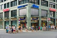 Friedrichstrasse -是其中一条最著名的街道。 免版税库存照片