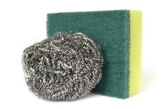 Friegue la esponja y las lanas de acero imagen de archivo libre de regalías