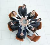 Friendly business team sitting in a circl Royalty Free Stock Photos