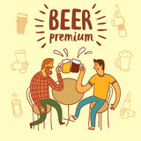 Friends drinking beer Royalty Free Stock Photos
