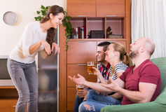 Friends hanging out with beer and jokes Royalty Free Stock Photos