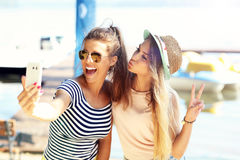 Friends having fun outdoors in summer Royalty Free Stock Photos