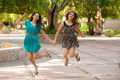 Friends jumping together Royalty Free Stock Photography