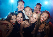 Friends in nightclub Royalty Free Stock Photography