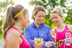 Friendship and fitness in the parc Royalty Free Stock Photos