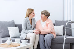 Friendship between grandmother and granddaughter Royalty Free Stock Photos