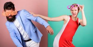 Frienship dell'uomo e della donna hipster Festa dell'ufficio Migliori amici fotografia stock libera da diritti