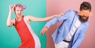 Frienship dell'uomo e della donna hipster Festa dell'ufficio Migliori amici fotografia stock