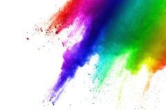 Frieren Sie Bewegung von den farbigen Pulverexplosionen ein, die auf weißem Hintergrund lokalisiert werden stockfotografie