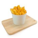 Frieten in witte doos met ketchup Royalty-vrije Stock Afbeeldingen