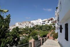 Frigiliana-- είναι μια από τις όμορφες άσπρες πόλεις στην επαρχία της Μάλαγας, Ανδαλουσία, Ισπανία Στοκ Εικόνες