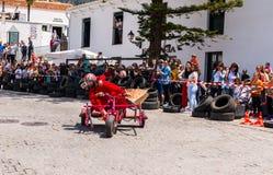 FRIGILIANA, ESPAGNE - 13 mai 2018 ` de Locos d'automobiles de ` - amusement traditionnel impliquant le tour des voitures de carto Images stock