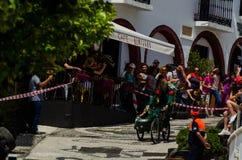 FRIGILIANA, SPAGNA - 13 maggio 2018 ` di Locos delle automobili del ` - divertimento tradizionale che comprende il giro delle aut immagini stock libere da diritti